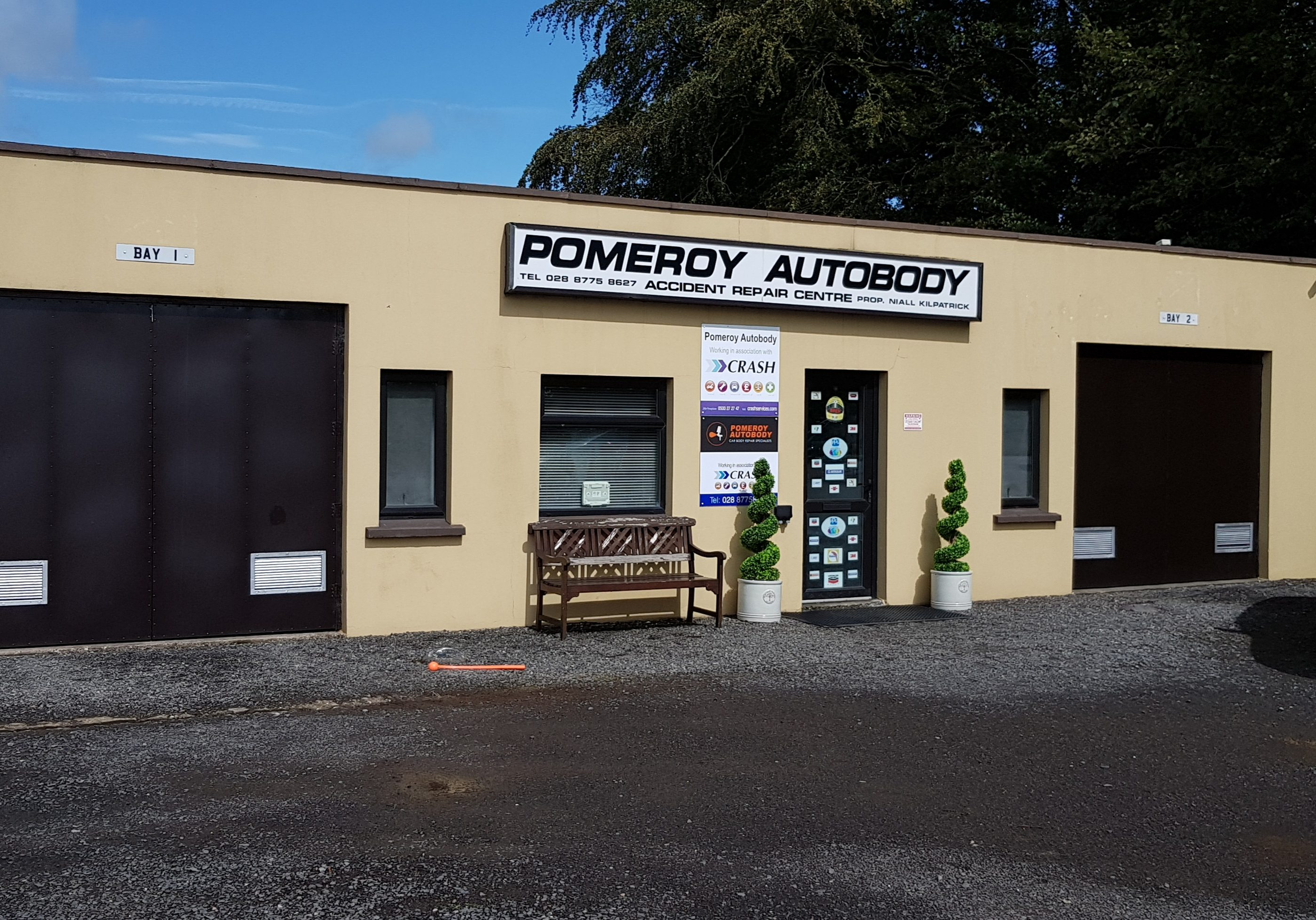 image of the front of the pomeroy autobody shop